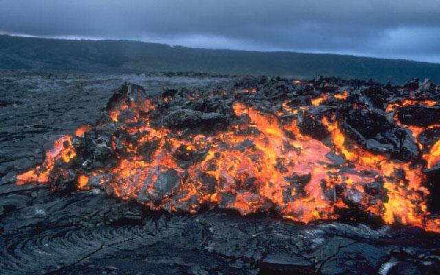 Mount kilauea lava 4.jpg